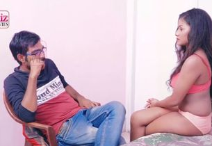 Indian chick penetrates her therapist